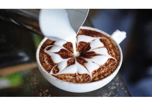 Латте-арт: удивительный мир прекрасного в кофейной миниатюре
